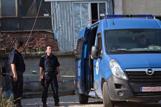 Уапсени 12 лица за пуштање солзавец на инаугурацијата на Тачи