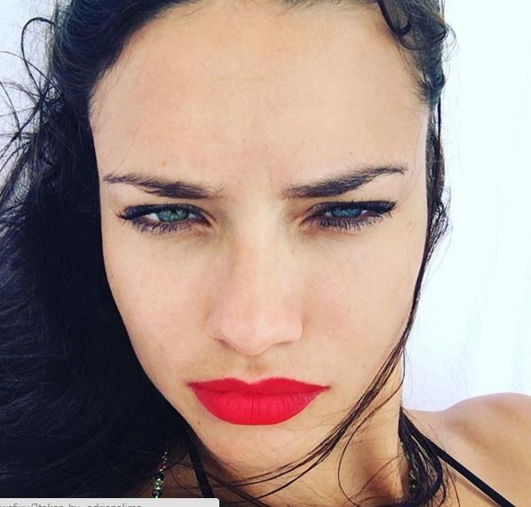 Адријана Лима со црвен кармин