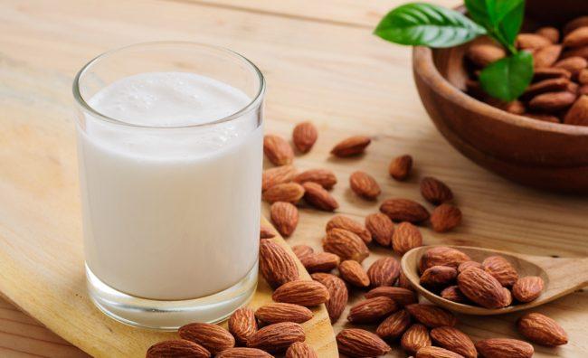 mleko-badem
