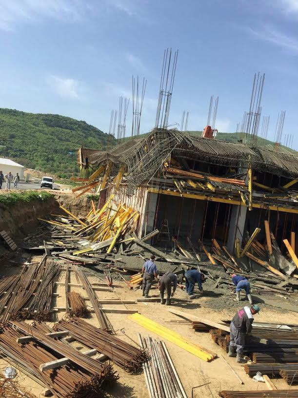 ФОТО: Се сруши објект кој го гради фирма во која удел имаат Заеви