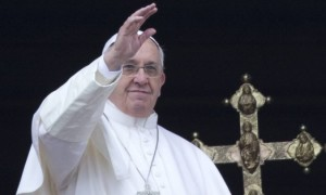 Папата Франциско пристигна на Лезбос