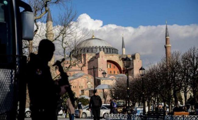 policija-istanbul-po-napadite