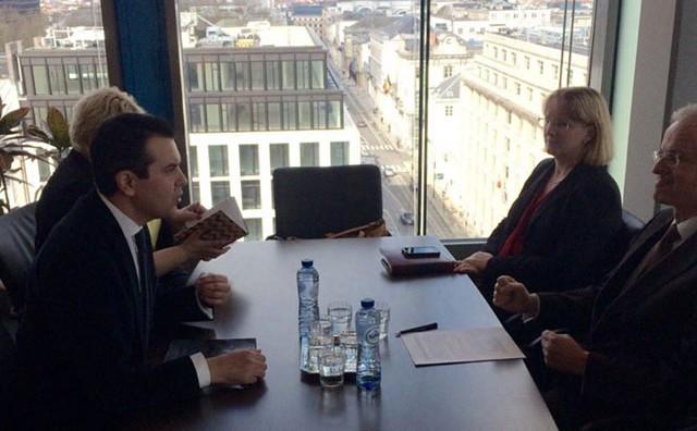 Средба на Попоски со претставници на ЕК: Избори на 5 јуни за крај на политичката криза
