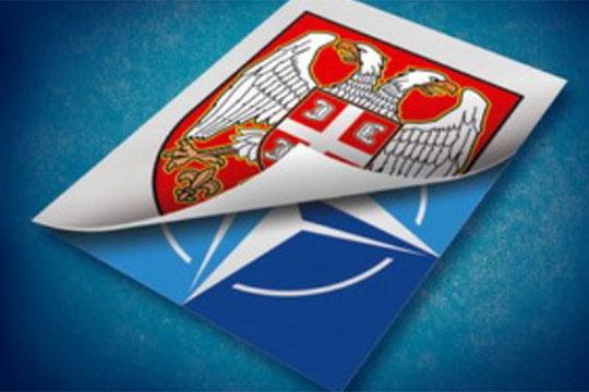 Над 70 Срби се против членство во ЕУ и НАТО