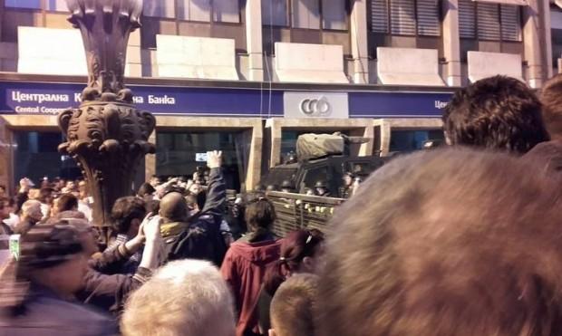 Полицајците повторно мета на активистите на СДСМ и СОРОС