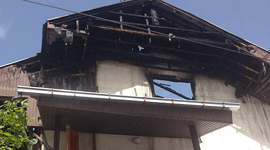 Во пожар изгоре поткровје од куќа во село Ваташа