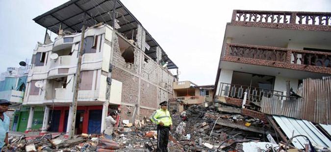 Бројот на жртвите од земјотресот во Еквадор достигна 272 лица