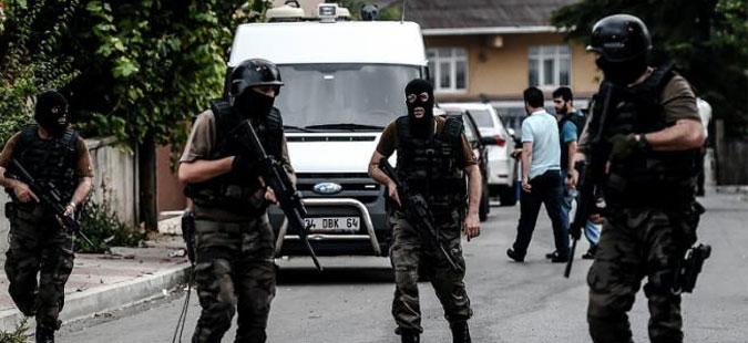 Петнаесет лица приведени во операција против ИД во Истанбул