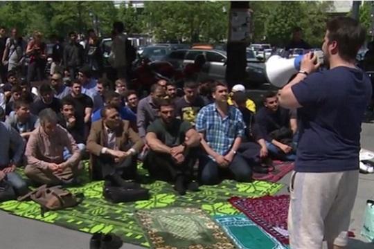 Протест на студенти муслимани во Берлин