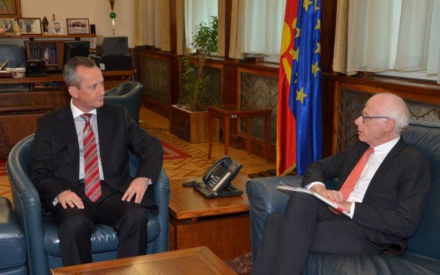 Средба Вељаноски – Хајндл: Во преден план да се стави интересот на државата