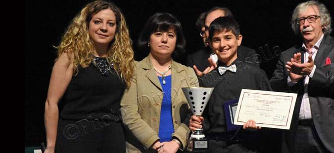 Пијанистот Арда Мустафаоглу троен победник на натревар во Италија