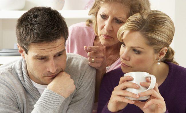 Осум работи кои мажот не ги поднесува кај вашата мајка