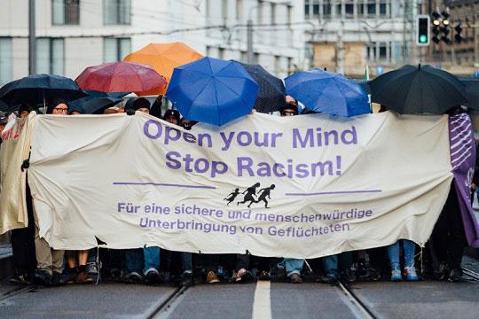 Анкета: Мнозинството Германци се за прием на бегалци во земјата