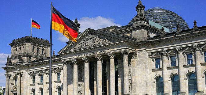Берлин: Оставката на Давутоглу да не влијае на договорот за бегалците со ЕУ