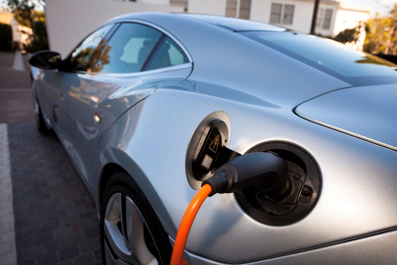 Германија ќе дава субвенции до 4.000 евра за купување електрични автомобили