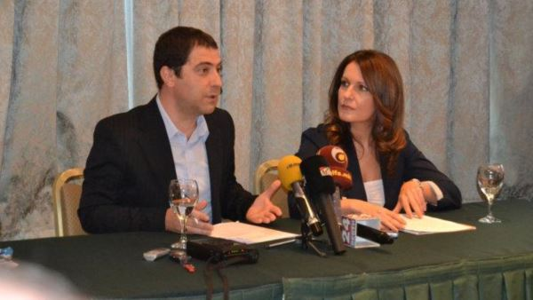 Герман Филков и Сабина Факиќ од Центарот за граѓански комуникации