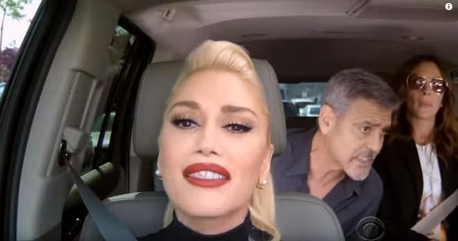 ВИДЕО: Гвен Стефани, Џорџ Клуни и Џулија Робертс пејат заедно