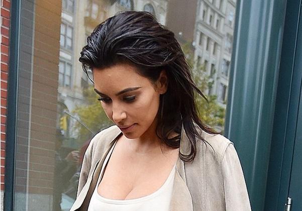 ФОТО: Нови разголени фотографии на Ким Кардашиан