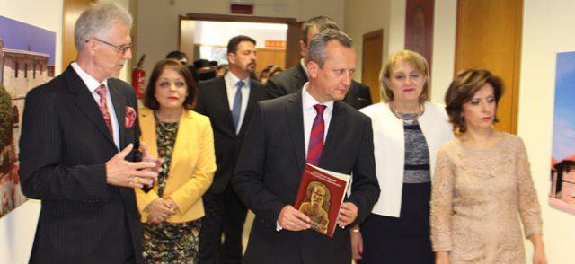 Македонска делегација на молебен на гробот на свети Кирил во Рим