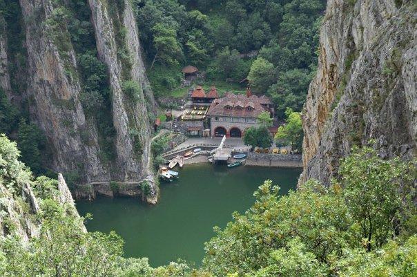 Акции за чистење на Водно и кањонот Матка