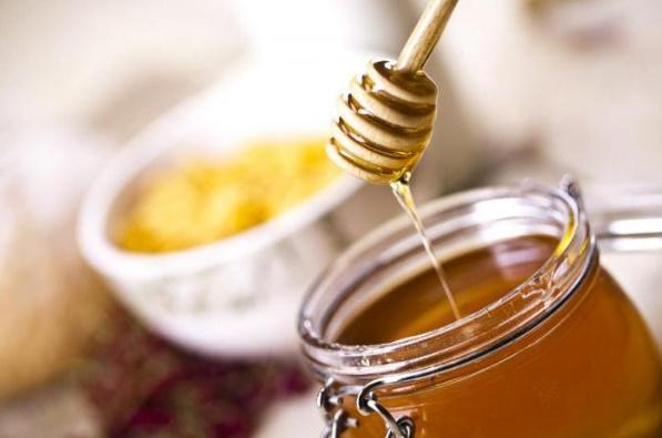 Слабејте по 1 килограм на една недела со медовата диета!