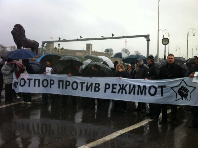 """""""Во Центар"""": На Срѓа Поповиќ му е забранет влез во Русија и Белорусија, затоа што се бави со рушење на легално избрани влади"""