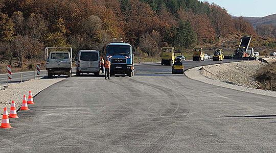 Утре двочасовен прекин на сообраќајот на патот Кичево-Охрид кај Пресека