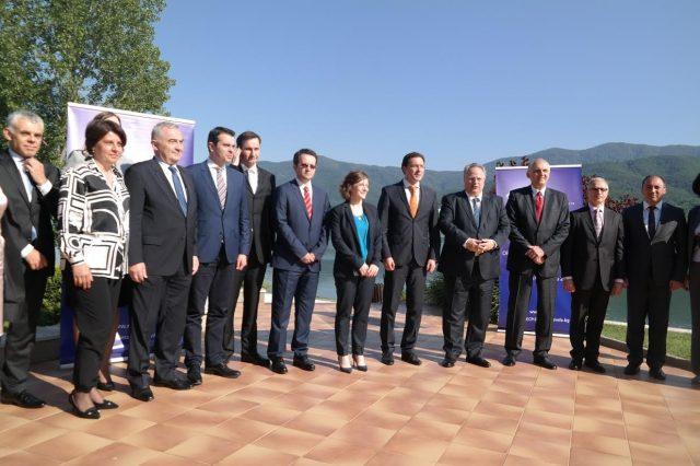 Поповски: Отворените прашања во регионот можеме да ги решаваме единствено низ отворен дијалог