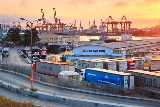 Пристанишните работници во Грција почнуваат 48-часовни штрајкови