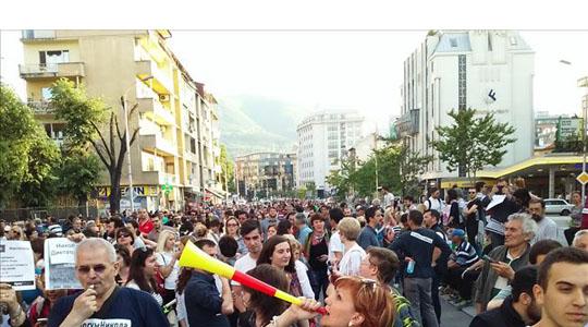 Демонстрантите од СДСМ и СОРОС ќе блокираат крстосници низ Скопје