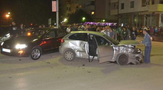 ФОТО: Тешка сообраќајка во Куманово, меѓу повредените има и пешаци