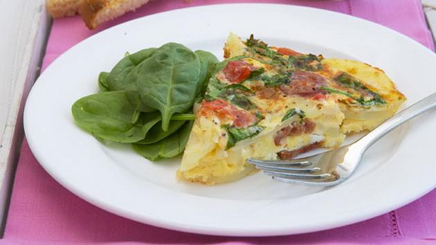 spanski-omlet-so-kompiri-i-kolbasi-001