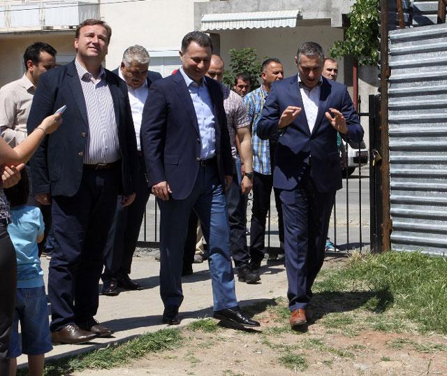 Груевски: Продолжуваме со огромни градежни зафати и инвестиции во здравствените капацитети во Македонија (ВИДЕО)