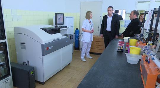 Тодоров ги посети Општата болница и Здравствениот дом во Кочани