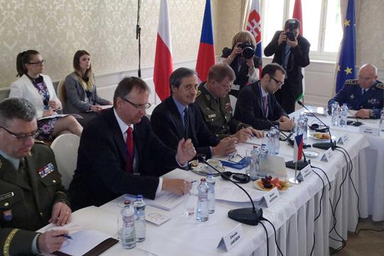 Вишеградската четворка објави план за распоредување на војски во балтичките држави