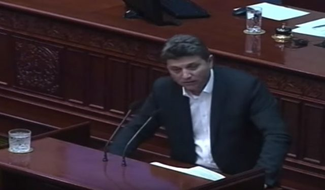 """Илиоски: Стотината демонстранти кои ги шараат институциите не се """"народ"""", тоа се платеници"""