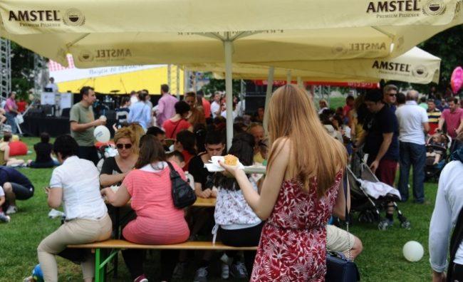 Странските инвеститори со хуманитарен пикник во Градскиот парк
