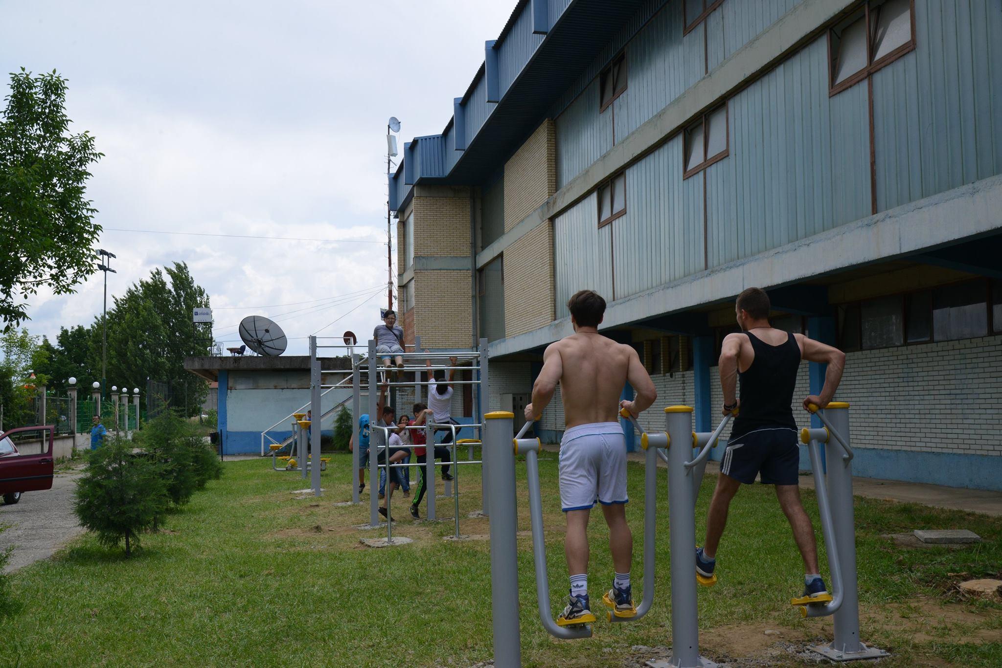 ФОТО: Поставена фитнес зона во Радовиш