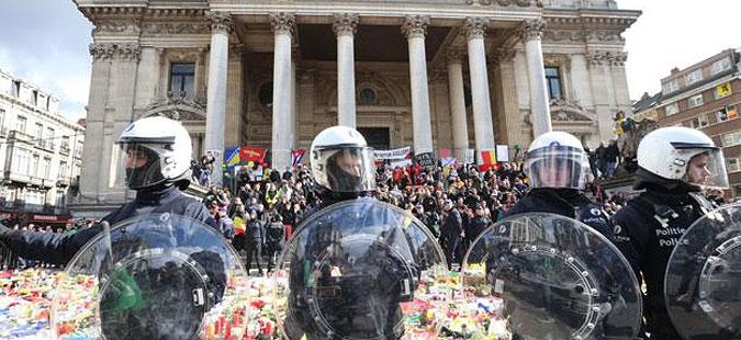 Во Брисел приведено лице осомничено за помагање во нападите