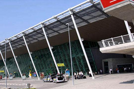 Спектакуларен грабеж на аеродромот во Тирана