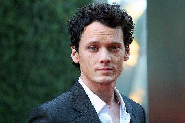 """ФОТО: Актер од """"Ѕвездени патеки"""" почина во трагична сообраќајна несреќа"""
