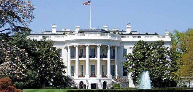 Белата куќа побара закон за блокирање пристап до воено оружје