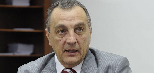 Поранешниот српски премиер Живковиќ обвинет за затајување данок