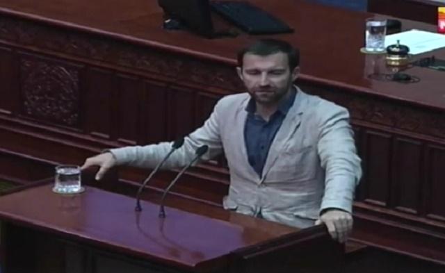 Димовски: СДСМ упорно ги штити професорите кои што уништија стотици студенти и фамилии!