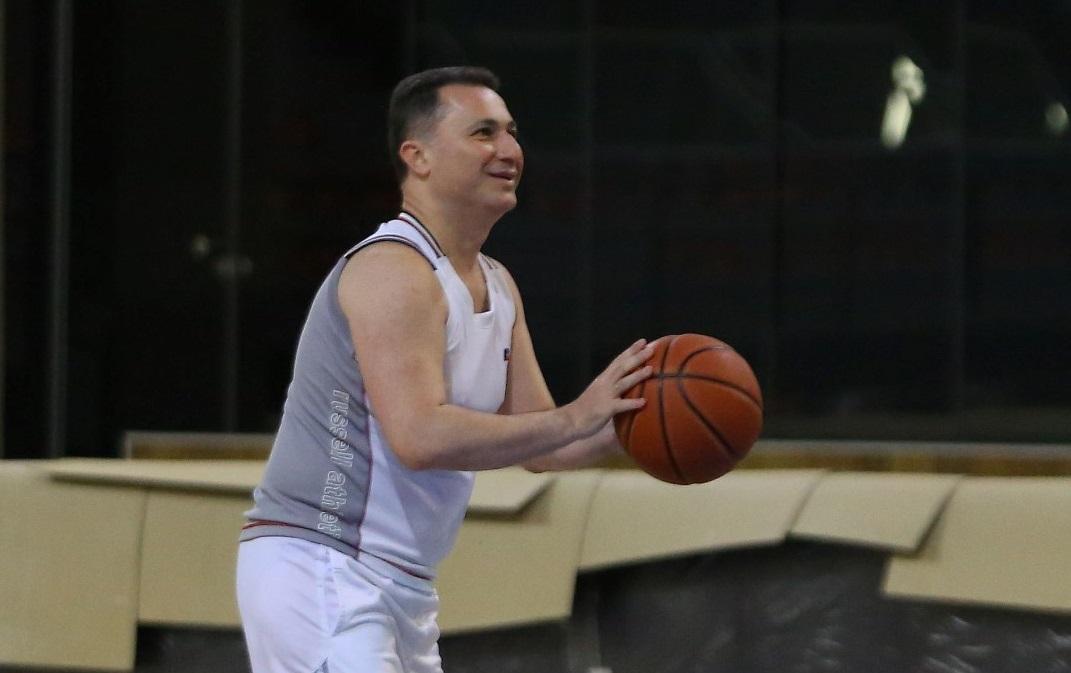 Груевски со пријателите на партија баскет (ФОТО)