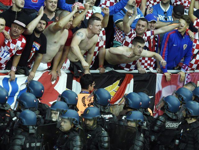 УЕФА ја казни Хрватска