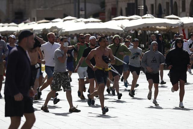 Обвинителство: 150 Руси дојдоа во Марсеј само за да предизвикаат нереди