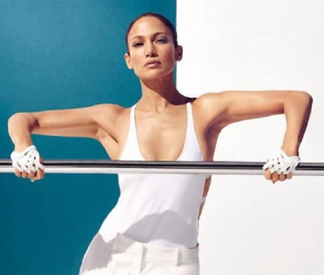 Пет холивудски дами ја открија тајната на младиот изглед