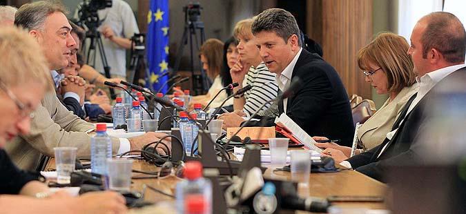 Продолжува со работа собраниската комисија за импичмент на Иванов