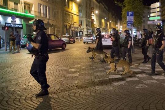 Двајца англиски навивачи уапсени во Марсеј